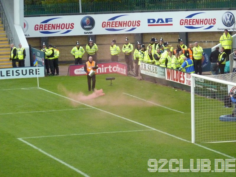 Shrewsbury Town - Walsall FC, Greenhous Meadow, League One, 14.10.2012 -